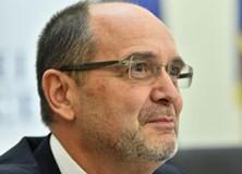 """Adrian Curaj: """"Bugetul alocat Educaţiei este realist, utilizarea lui eficientă va duce la lucruri foarte bune"""""""